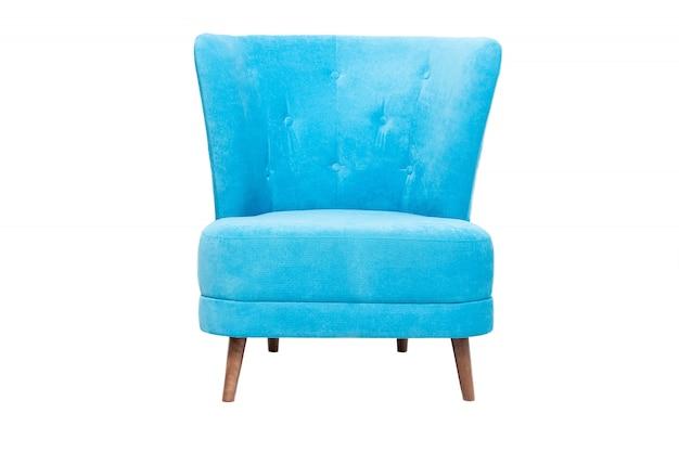白で隔離される木製の脚とモダンな青い布製アームチェア