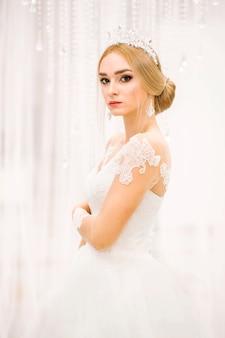 ブライダルドレスのファッショナブルなモデル