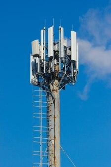さまざまな携帯無線送信機のグループ