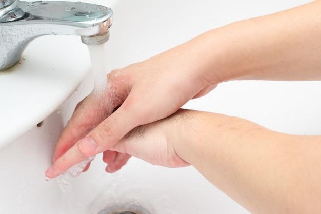 手をこすり