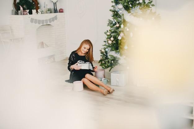 美しいクリスマスの少女