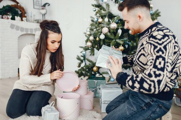 クリスマスカップル