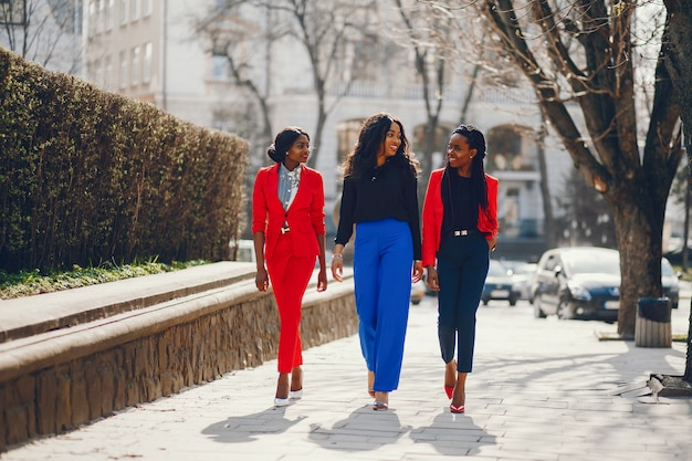 公園の黒人女性