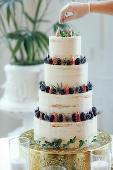 Милый свадебный торт