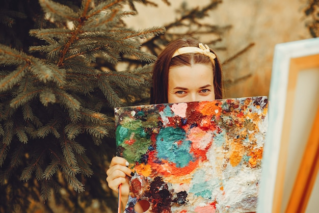 美しい少女の分野で描く