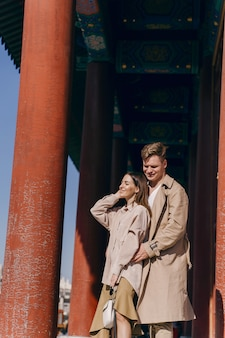 Прекрасная пара, изучения туристических достопримечательностей в пекине, китай