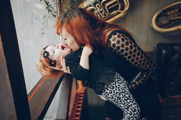 Ребенок семейный ресторан любовь маленький