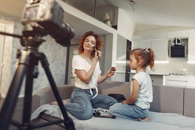 娘と母が美容ブログを撮影