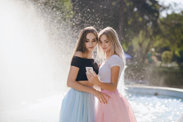 泉の女の子