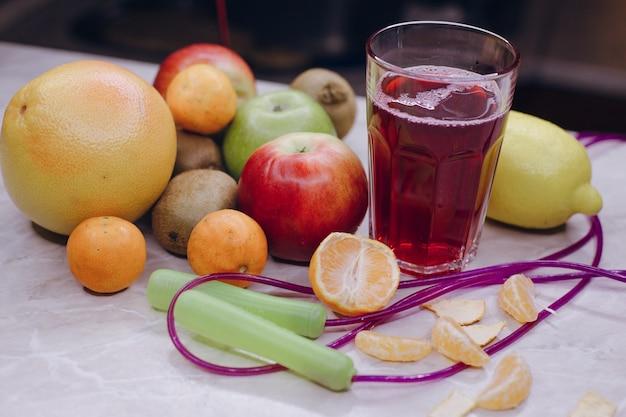 テーブルの果実