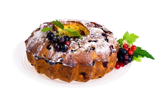 自家製焼き。新鮮なベリーのカップケーキ