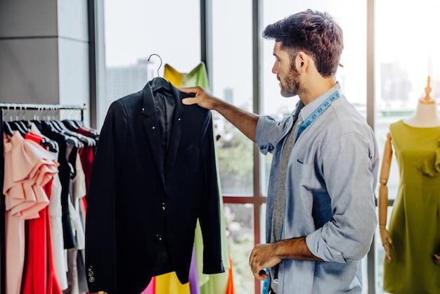 創造的な衣服デザイン仕立てサービスのコンセプト