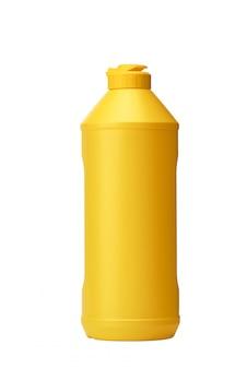 白い壁に分離された洗浄液と黄色の洗剤のプラスチックボトル