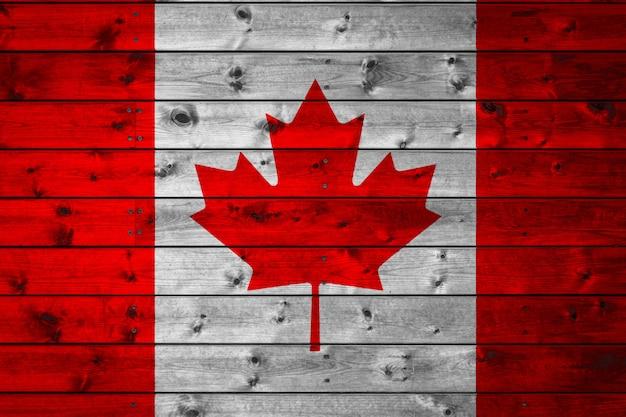 キャンプに描かれたカナダの国旗