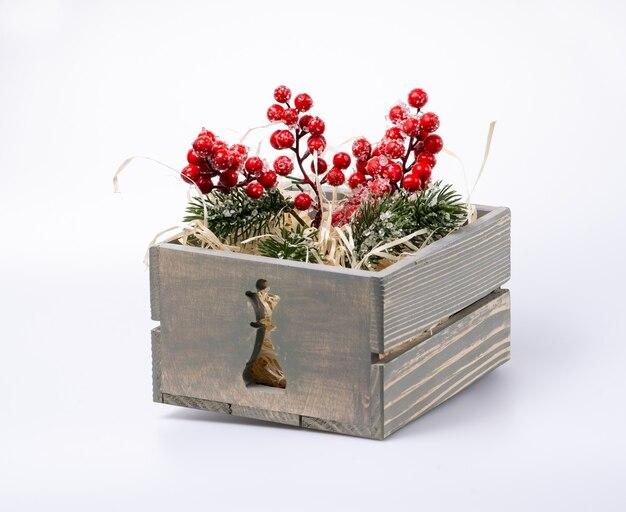 Коробка с елочными украшениями. предметы интерьера на новый год