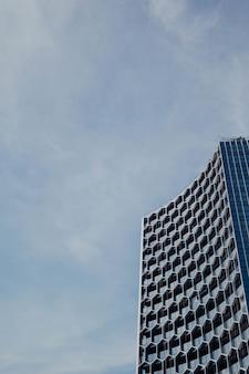 Современная небоскребная архитектура