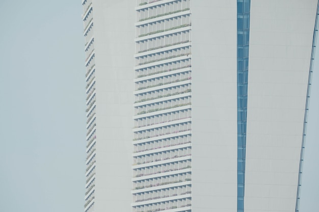 Окна бизнес здания