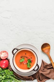 トマトとフレッシュハーブのスペイン風冷ガスパチョスープ