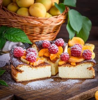イチゴとアプリコットのカッテージチーズのパイの部分