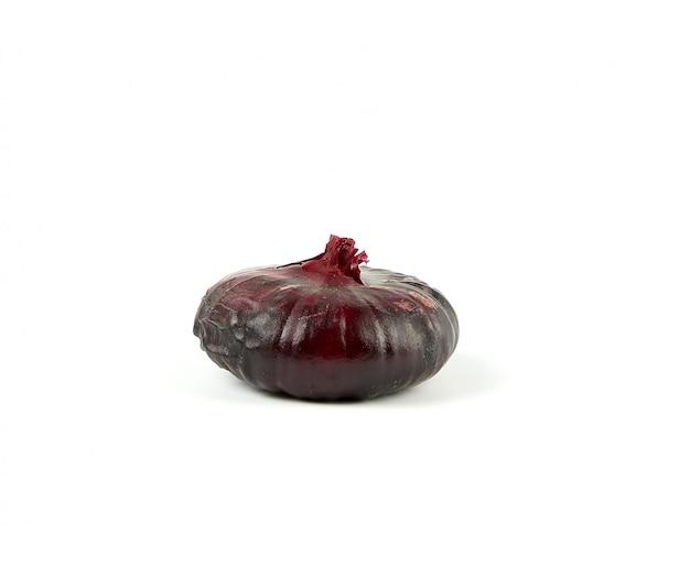 分離された殻で丸い紫タマネギ