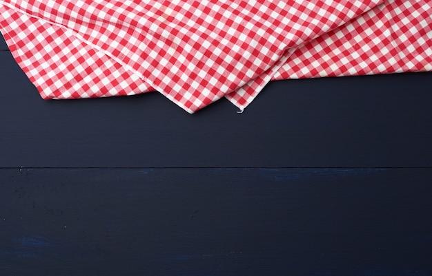 白と赤の市松模様のキッチンタオル
