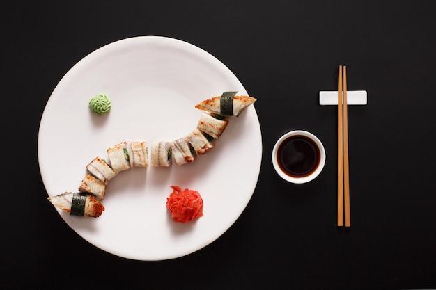 Набор унаги суши и роллов