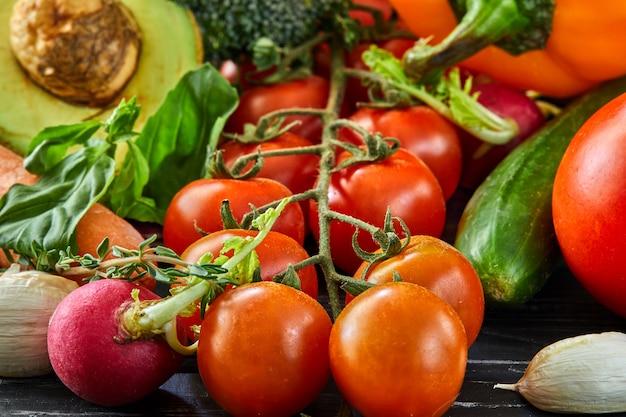 健康的な食事、新鮮な野菜や果物の概念。