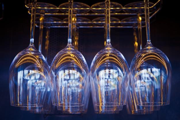 レストランとパブのガラスのパターン