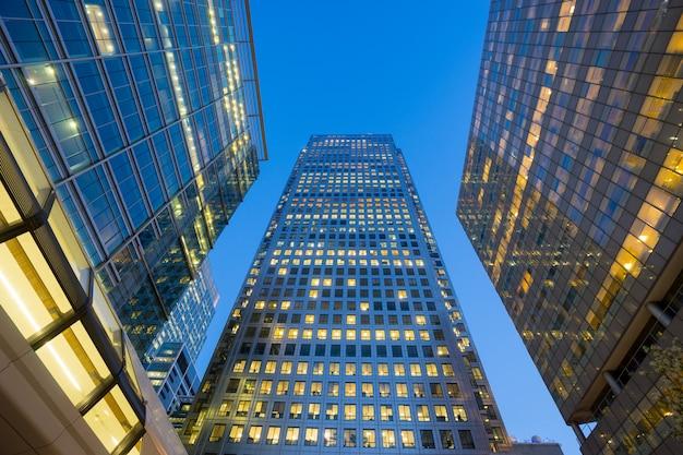 ロンドンのオフィスビルの高層ビル