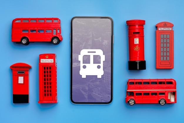 スマートフォン、郵便ポスト、バス、電話ブース
