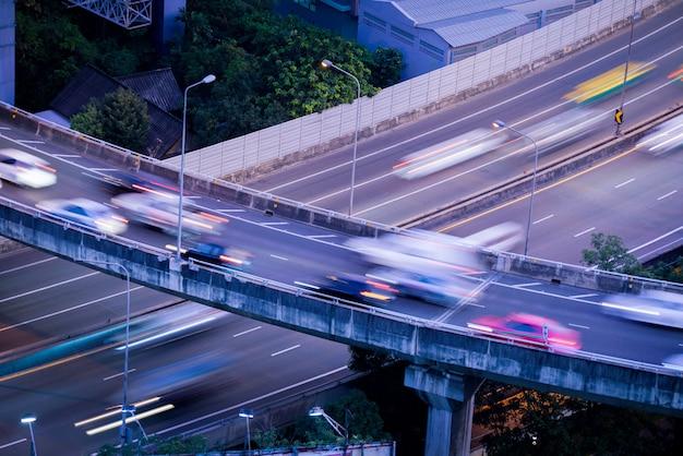 ラッシュアワー、バンコクのトップビューから高速道路
