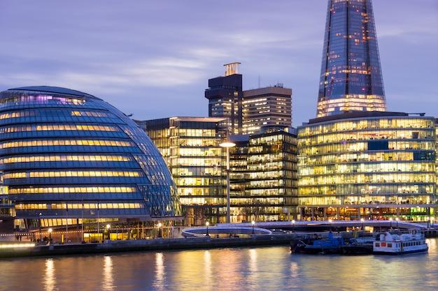 Небоскрёб офисное здание бизнес лондон