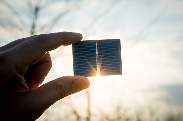 グリーンエネルギー、太陽光発電太陽電池