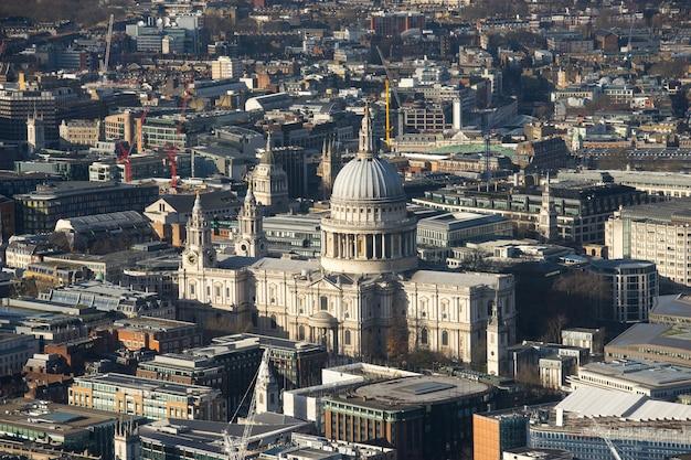 ミレニアムブリッジとセントポール、ロンドン、トップビュー