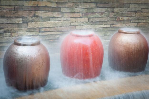 リラクゼーションコンセプトのスパとリゾートの噴水
