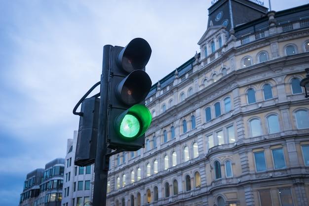 ロンドンの都市交通の信号機