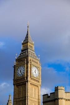 ウェストミンスター宮殿ビッグベン、ロンドン、イングランド、イギリス