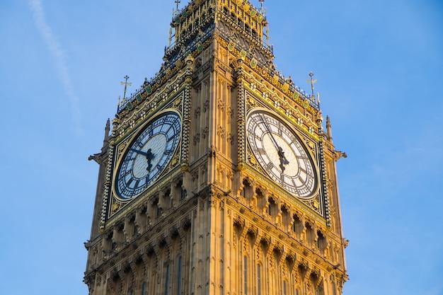 ビッグベンとイギリス、ロンドンの議会の家