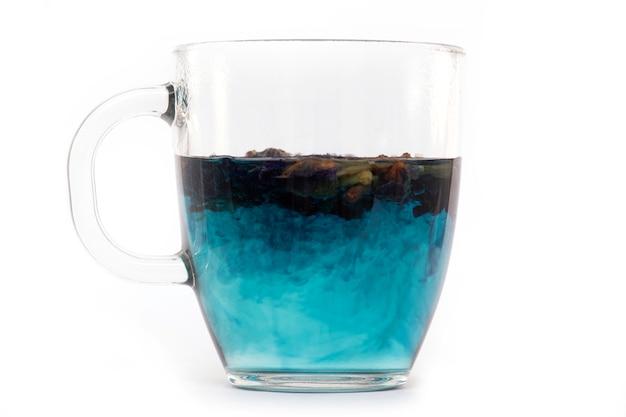 蝶のエンドウ豆のカップ