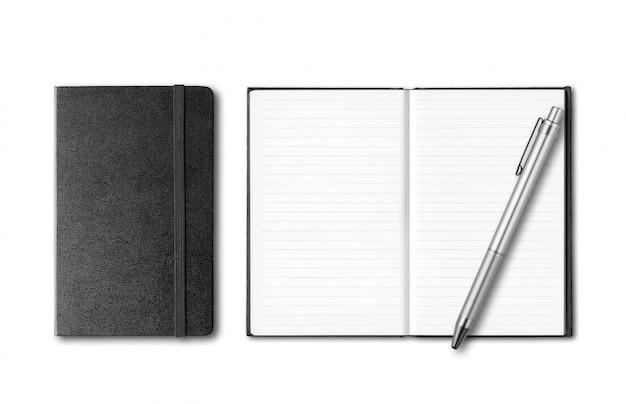 Черные закрытые и открытые тетради с изолированной ручкой