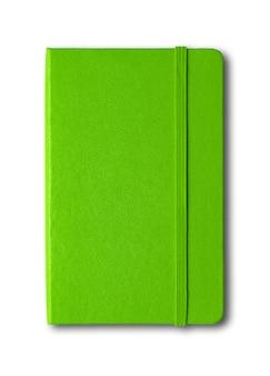 Зеленая закрытая тетрадь изолирована