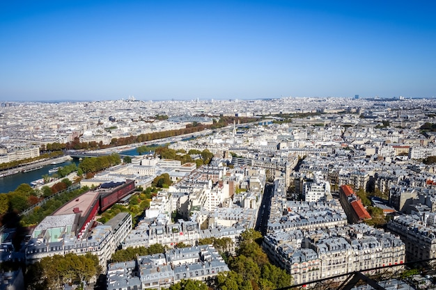 エッフェル塔、フランスからのパリの空中シティービュー