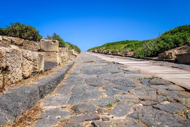 Археологические раскопки таррос, сардиния