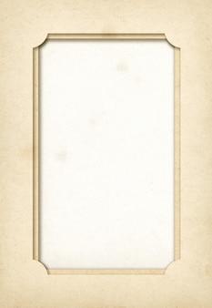 Старинная бумажная фоторамка