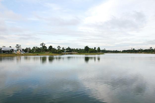 大きな地方の公園は有名な、タイのウドンタニです。