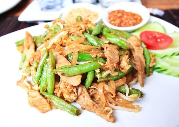 豚と牛の炒め麺