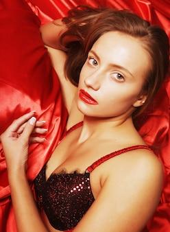 魅力的なセクシーな女の子