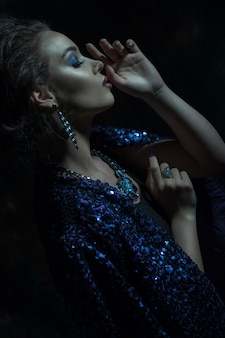 グラマーファッション女性の肖像画
