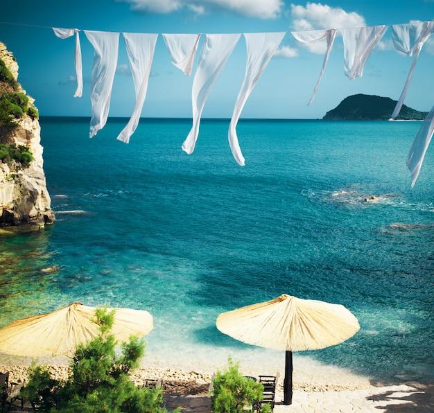 ザキントス島のギリシャの小さな島