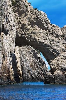 ザキントス島の青の洞窟